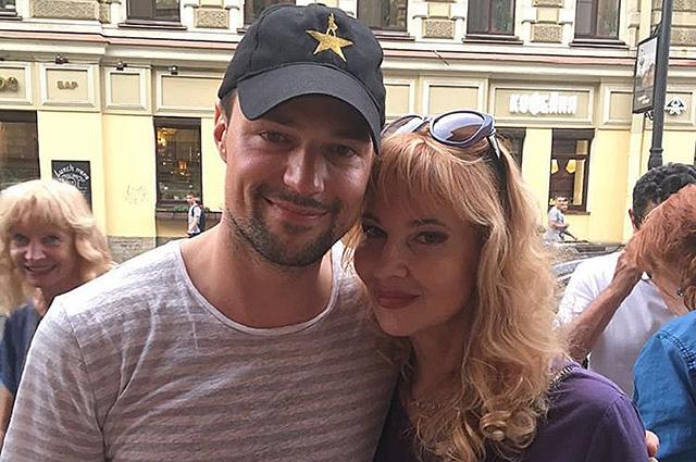 Мамин день: Данила Козловский поздравил маму с днем рождения