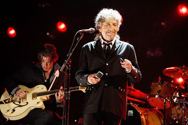 """Боб Дилан о получении Нобелевской премии по литературе: """"Это то же самое, что высадиться на Луну"""""""