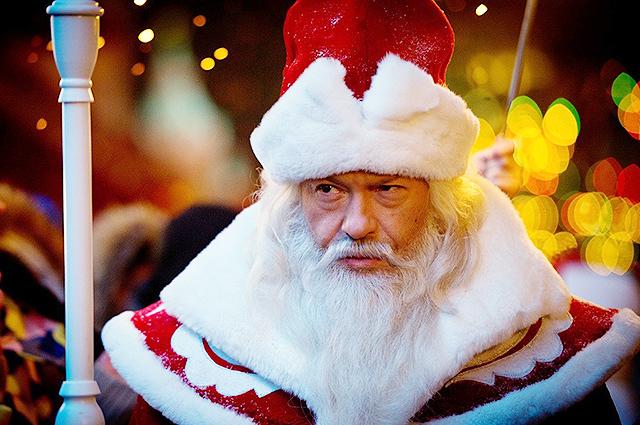 Федор Бондарчук в костюме Деда Мороза будет ходить по квартирам москвичей в новогоднюю ночь