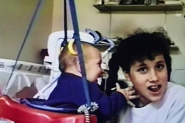 Гарри на заметку: видео с 11-летней Меган Маркл доказывает, что она будет хорошей мамой