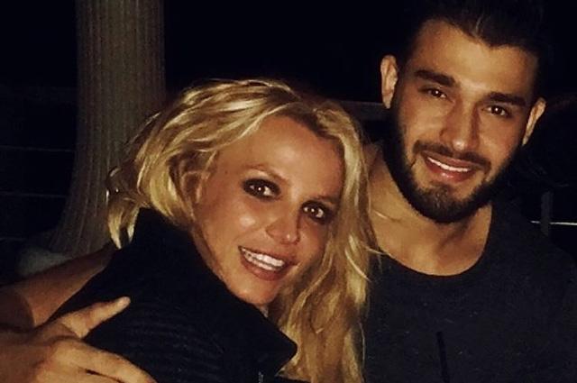 Бритни Спирс отпраздновала Новый год вместе с новым бойфрендом Сэмом Асгари