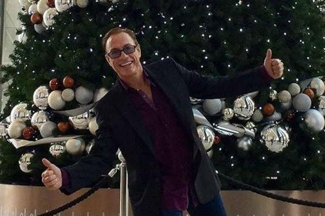 Новогодние танцы: 56-летний Жан-Клод Ван Дамм поделился в Instagram забавным видео