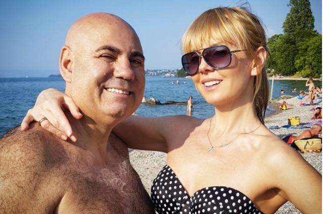 49-летняя Валерия продемонстрировала стройную фигуру на отдыхе во Франции