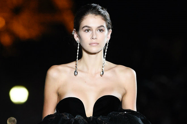 Неделя моды в Париже: Кайя Гербер, Валерия Кауфман, Аня Рубик и другие на показе Saint Laurent весна-лето 2018