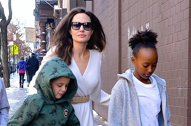 Анджелина Джоли с детьми провела выходные в Нью-Йорке