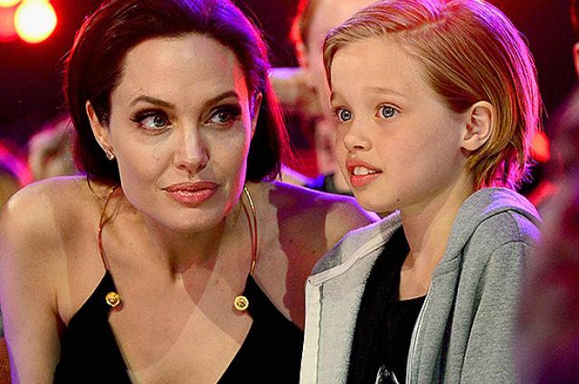 Дочь Анджелины Джоли и Брэда Питта Шайло сломала ключицу во время катания на сноуборде