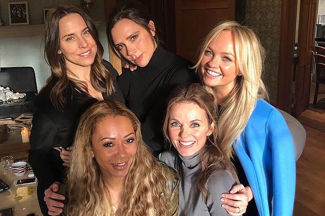 Виктория Бекхэм согласилась на воссоединение Spice Girls: фото со встречи участниц группы в доме Джери Холлиуэлл