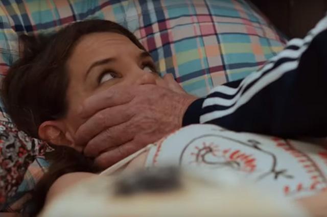 """Кэти Холмс позволила облизать пальцы своих ног актеру Сету Грину в фильме """"Дорогой диктатор"""""""