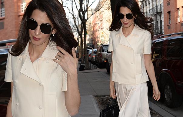 Отличница: Амаль Клуни в кремовом костюме прогулялась по Нью-Йорку