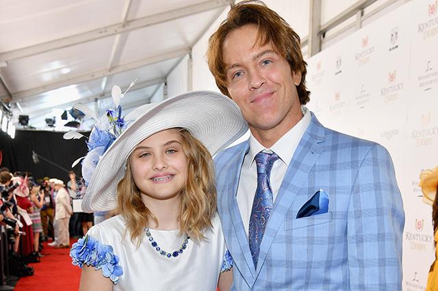 11-летняя дочь Анны Николь Смит Дэннилин посетила Kentucky Derby со своим отцом Ларри Биркхедом