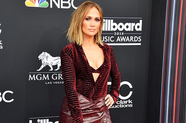 Billboard Music Awards — 2018: Дженнифер Лопес, Мила Кунис, Кристина Агилера и другие звезды на ковровой дорожке