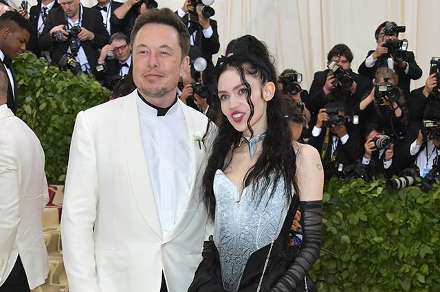 Илон Маск пришел на Met Gala 2018 вместе с новой возлюбленной и встретил там экс-подругу Эмбер Херд