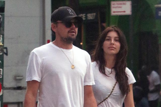 В одном стиле: Леонардо ДиКаприо на прогулке со своей девушкой Камилой Морроне в Нью-Йорке