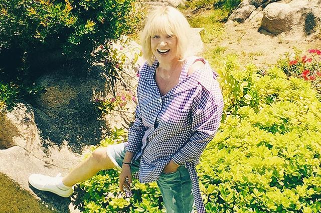 """69-летняя Алла Пугачева в шортах поразила поклонников внешностью: """"Ей на вид 36 лет!"""""""