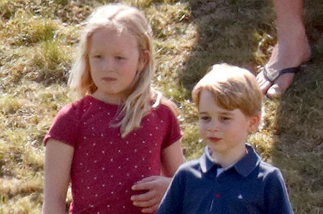 Принц Джордж вновь пострадал от рук своей старшей сестры Саванны Филлипс: видео