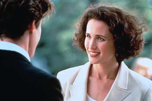 """Хью Грант и Энди Макдауэл обсуждают съемки сиквела романтической комедии """"Четыре свадьбы и одни похороны"""""""