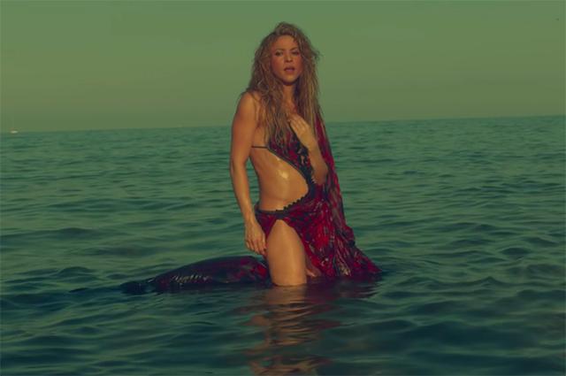 Шакира представила сексуальный клип на песню Clandestino