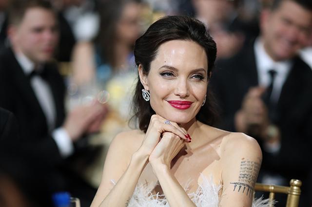 Представитель Анджелины Джоли прокомментировал увольнение ее адвоката