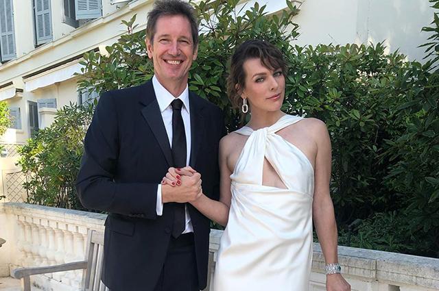 Милла Йовович поздравила мужа с десятой годовщиной свадьбы