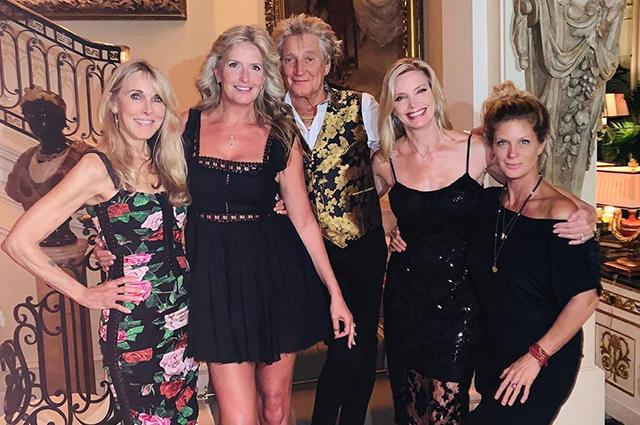 Род Стюарт отпраздновал день рождения дочери Кимберли с четырьмя матерями всех своих детей