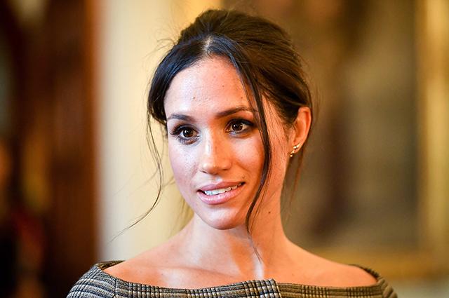 Букингемский дворец объяснил, почему Меган Маркл не участвовала в семейном совете вместе с королевской семьей
