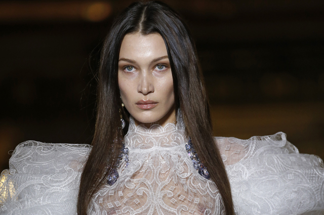 Неделя моды в Париже: Белла Хадид (с кинжалом), Тимоти Шаламе и показы Haider Ackermann, Vivienne Westwood, Elie Saab