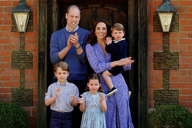 Принц Луи готовится к знакомству с новыми для себя семейными традициями