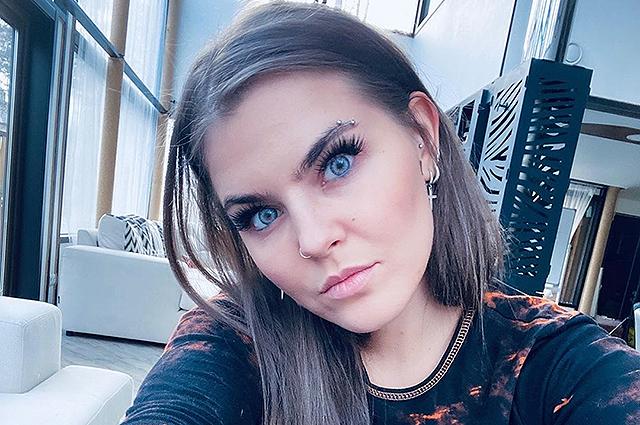 Солистка Little Big Соня Таюрская появилась на обложке мужского журнала