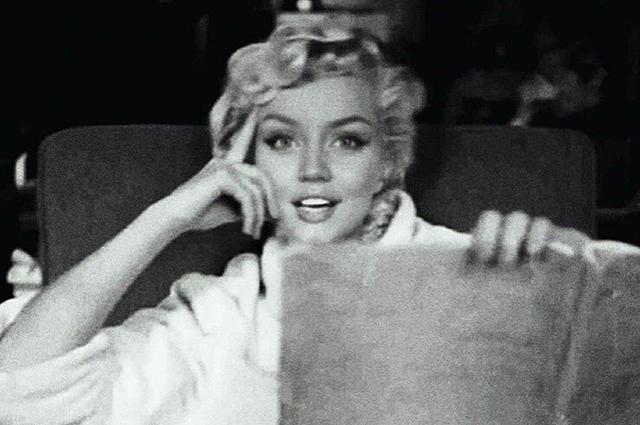 """В сети обсуждают Ану де Армас в образе Мэрилин Монро на промокадрах фильма """"Блондинка"""""""
