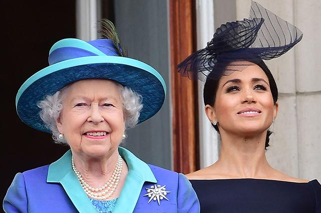 Инсайдер: королева Елизавета II разрешала Меган Маркл совмещать королевские обязанности с кинокарьерой
