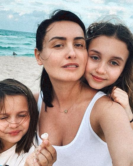 Елена Вакуленко с дочками