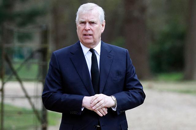 Опальный принц Эндрю впервые за долгое время появился на публике и рассказал о реакции королевы на смерть принца Филиппа