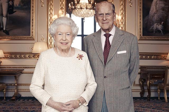 От первой встречи до последней годовщины: история любви принца Филиппа и королевы Елизаветы II в датах, цитатах и фото