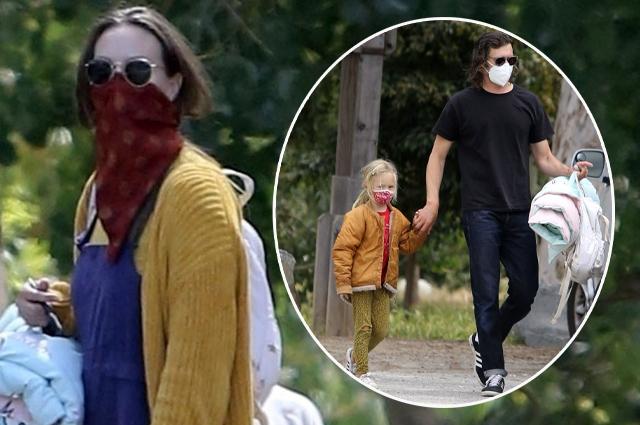 Редкий кадр: Адам Броди и Лейтон Мистер с дочерью на прогулке в Лос-Анджелесе