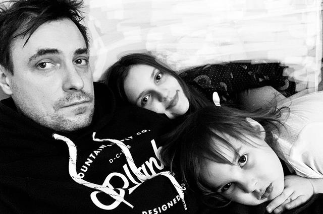 """Евгений Цыганов дал редкое интервью о своих восьмерых детях: """"Любой мой ребенок может заявить, что он — любимчик"""""""