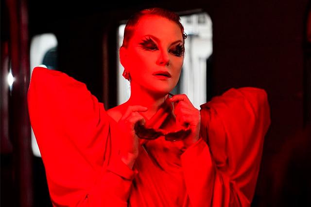Дочь Ренаты Литвиновой Ульяна Добровская представила свою дебютную коллекцию одежды (для московского метро)