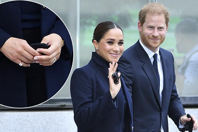 Таинственное кольцо на мизинце и часы принцессы Дианы: Меган Маркл вышла в свет в украшениях стоимостью 400 тысяч долларов