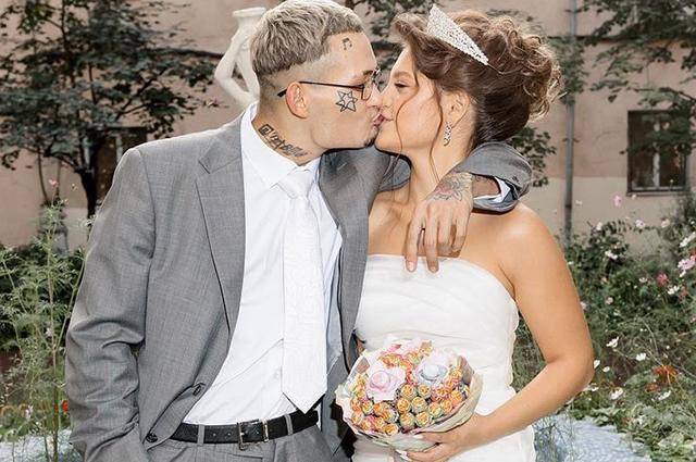 Будьте моим мужем: 10 звездных пар, в которых предложение делала девушка